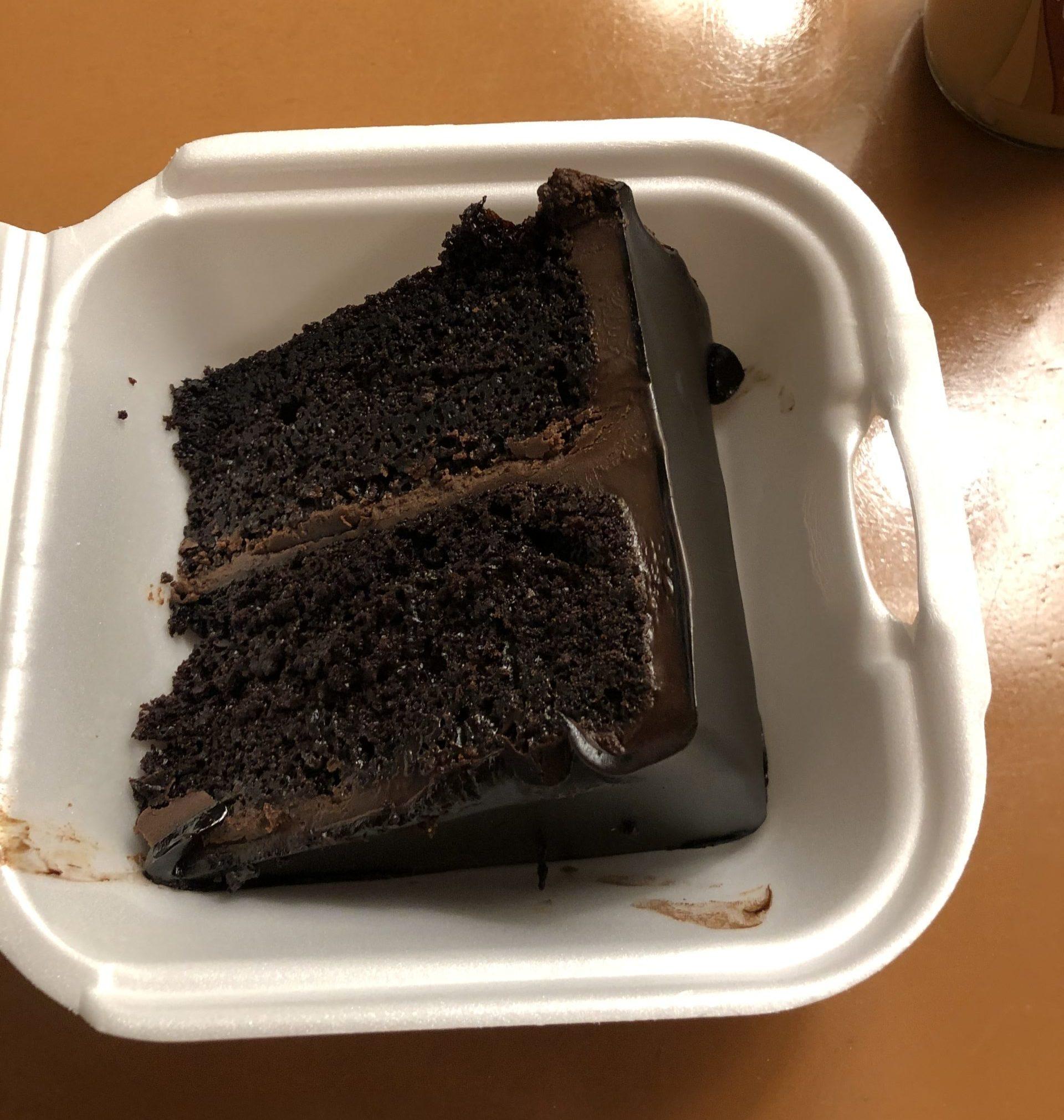 プロアのデザート チョコレートケーキ